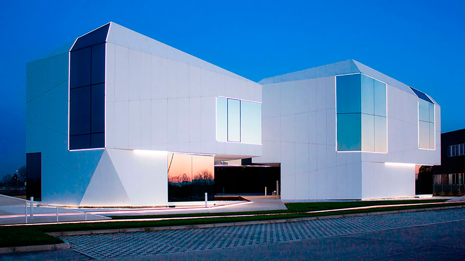 Trends: Modern facades. Discover where to look to for contemporary architecture