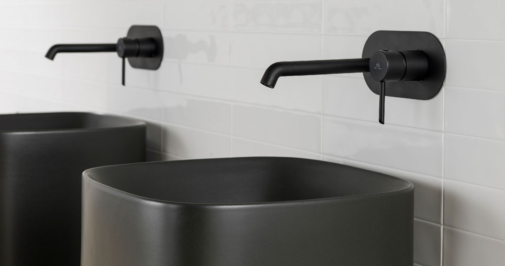 Black Matt finishes for bathroom taps and accessories: BLACK is back