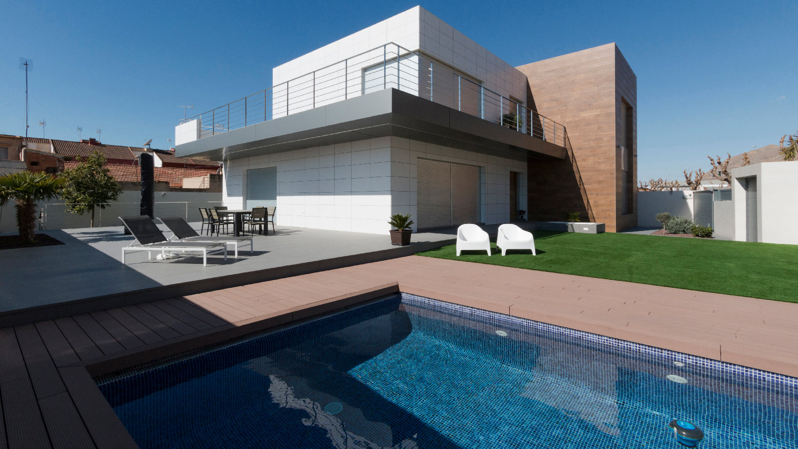 PORCELANOSA  Grupo Projects: a single-family home designed from the inside