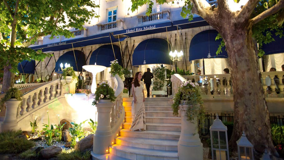 The Ritz Hotel in Madrid will once again get ready to host the 9th Porcelanosa Awards