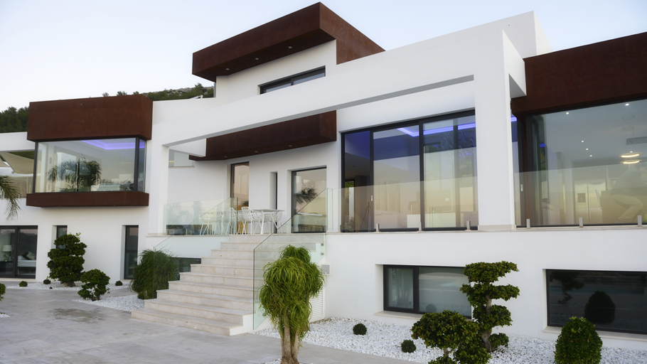 PORCELANOSA Grupo Projects: Villa Zeus. Luxury architecture in Costa Blanca (Spain)