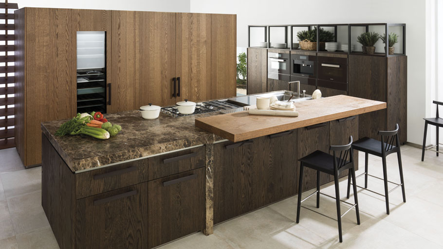 Emotions, now in a new rustic style. Technological kitchens that connect to the origins
