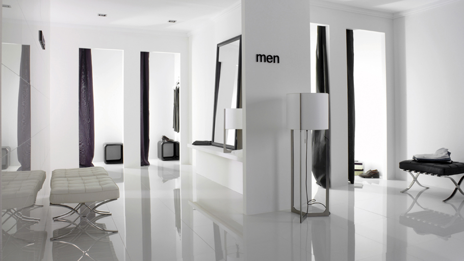 Porcelain floor tiles, always as immaculate as the first day