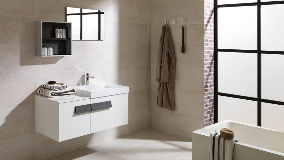 Practical and dynamic bathrooms in the modular Flow collection of Gamadecor