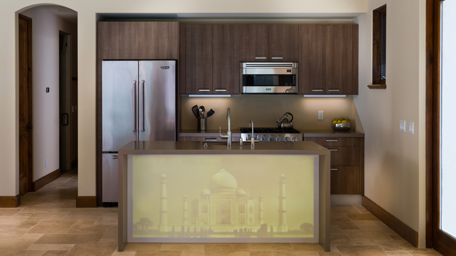 PORCELANOSA Grupo Projects: a sophisticated and versatile kitchen in Saratoga (California)
