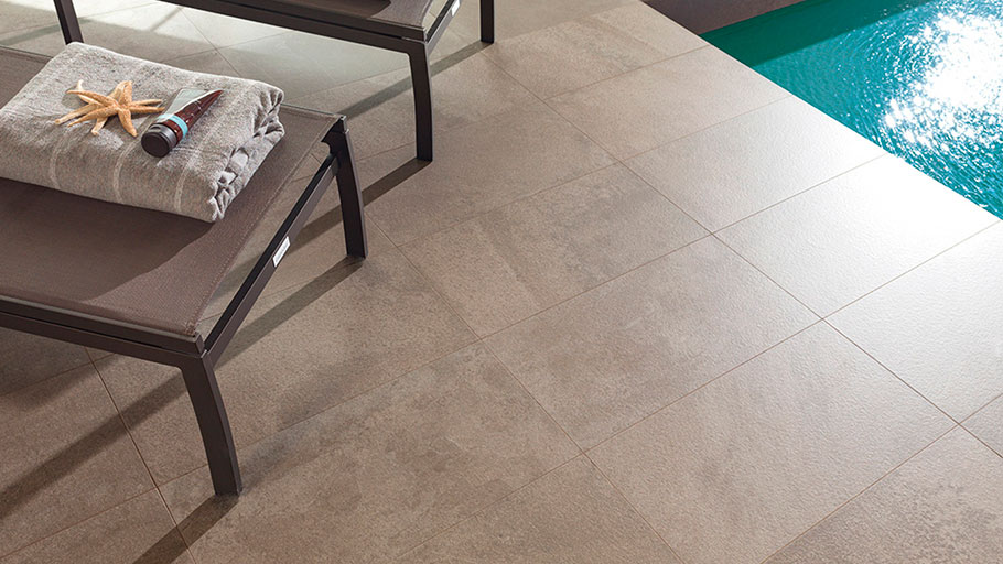 Stone-effect through-body porcelain for both spas and thermal spaces: inspired by nature