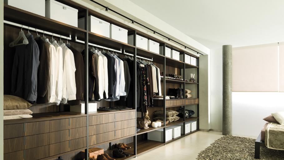 Order with style with wardrobes and chests of drawers by Gamadecor