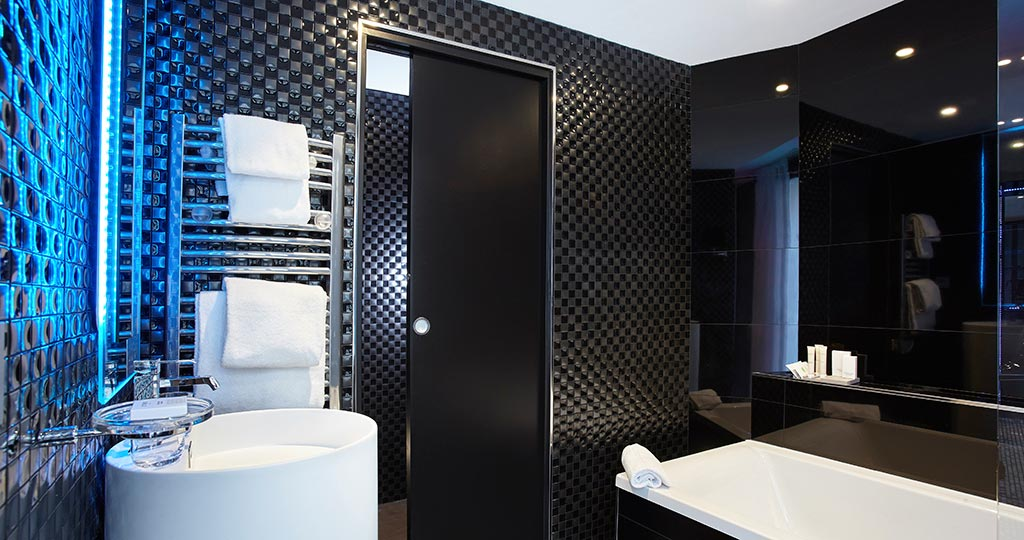 PORCELANOSA Group Projects: Light and textures at the first photographic-inspired Parisian hotel