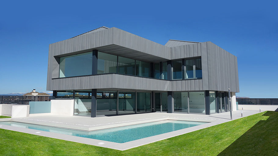 The 9th PORCELANOSA Grupo Awards Finalists: a combination of glazed volumes in Completed Projects