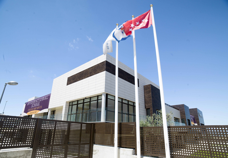 PORCELANOSA Group Projects: Ventilated facade, Endaze International School, Madrid