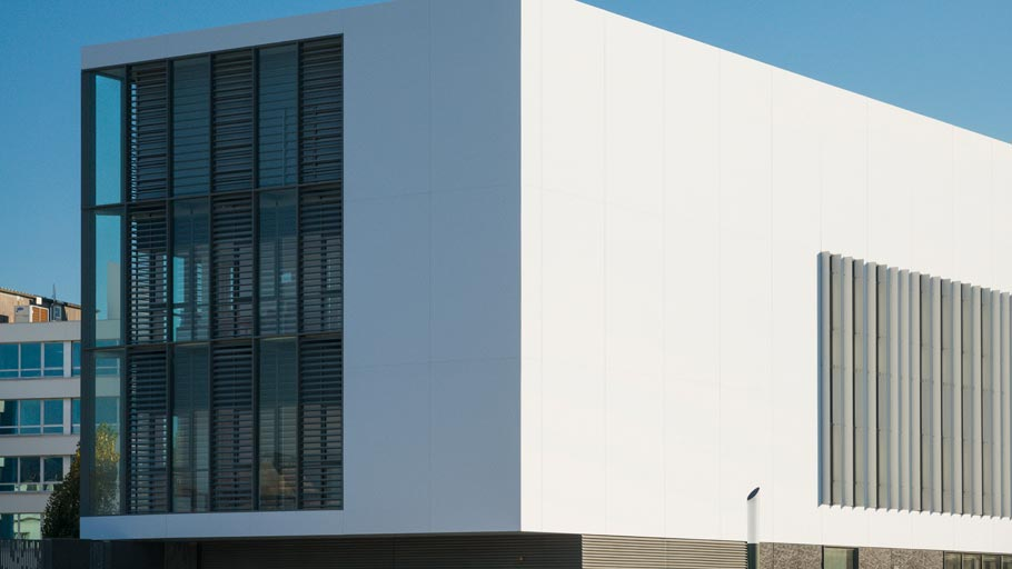 Butech completes the Krion® façade of the latest project by the architect Jean Pierre Meignan in Saint Malo, France