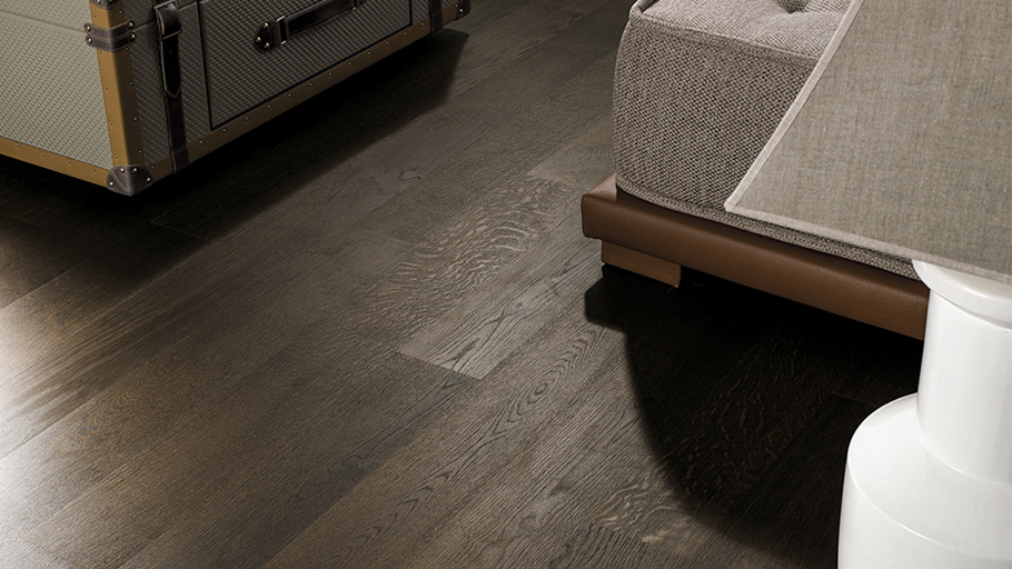 Resistance and comfort with the Tortona natural wood floors from L'Antic Colonial