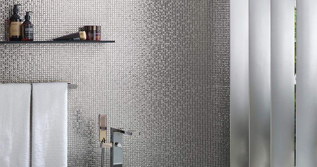 Bombay: Wall tiles with that precious metal shine