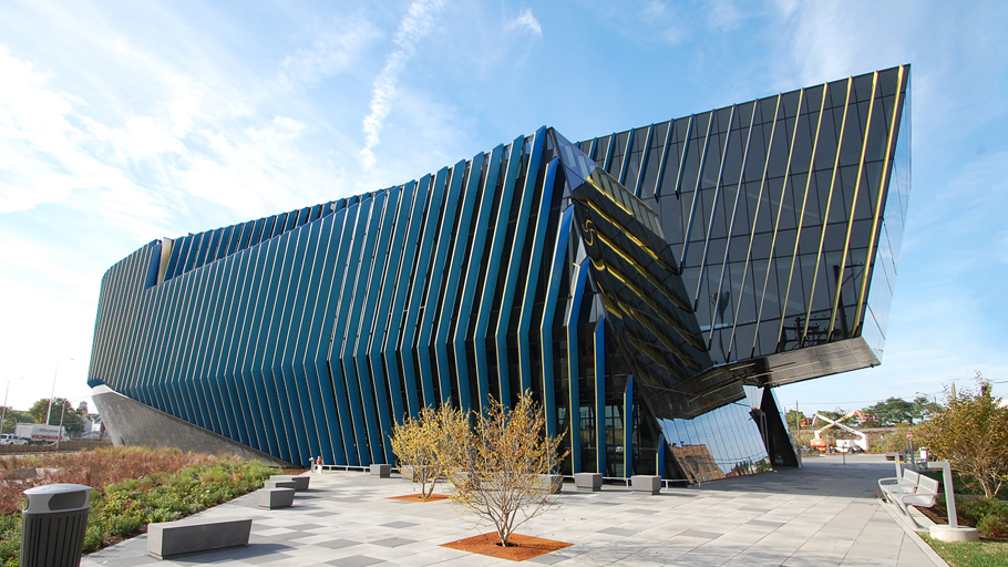 Projects PORCELANOSA Grupo: Il Centro, Northeastern Illinois University