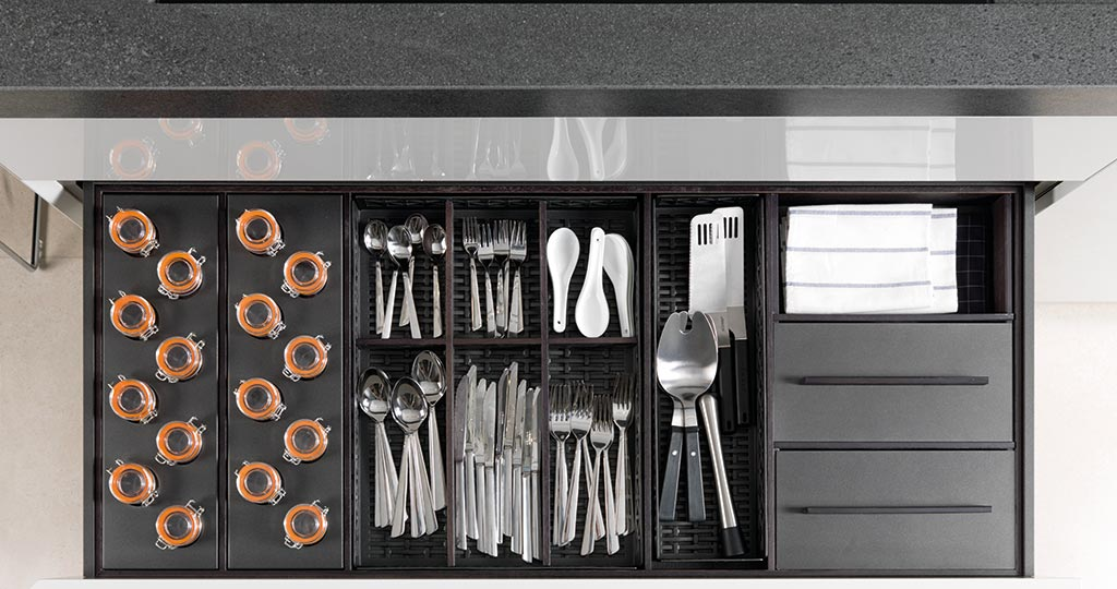 Solutions for kitchen storage: innovative and practical equipment for an optimal organisation