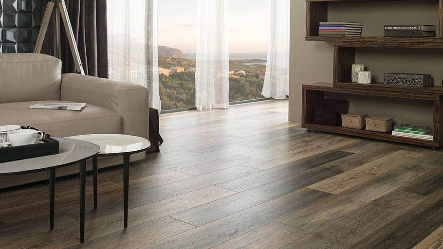Laminated flooring by L'Antic Colonial: resistance and versatility in any project