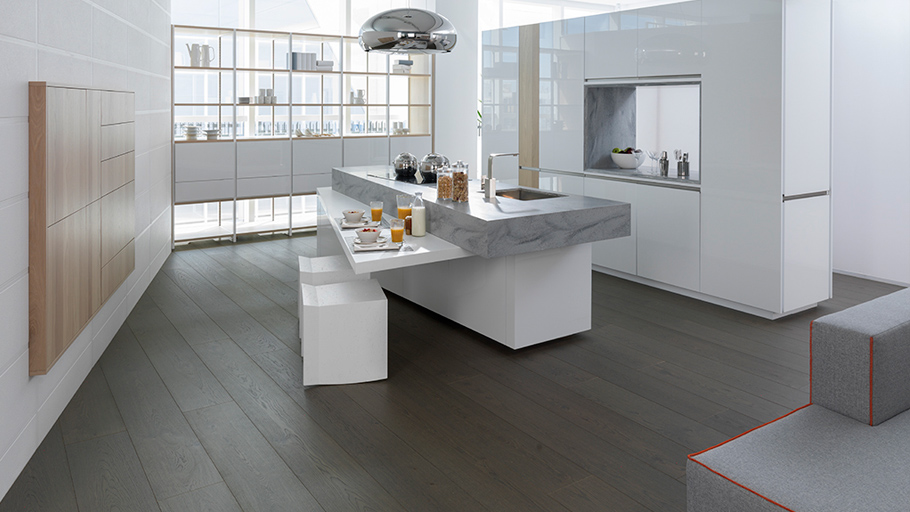 Wider and longer-lasting floors thanks to Advance Premium natural wood