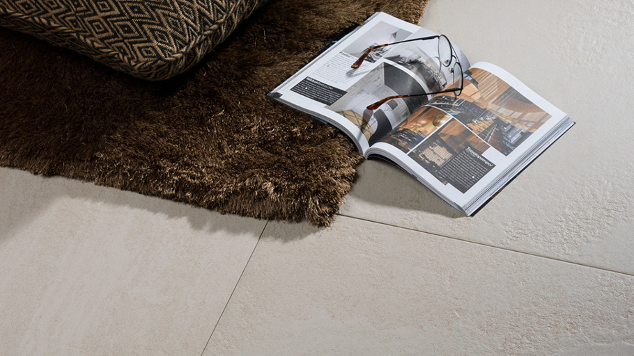 Kaos: the beauty of natural stone reaches Urbatek high-performance ceramic tiles