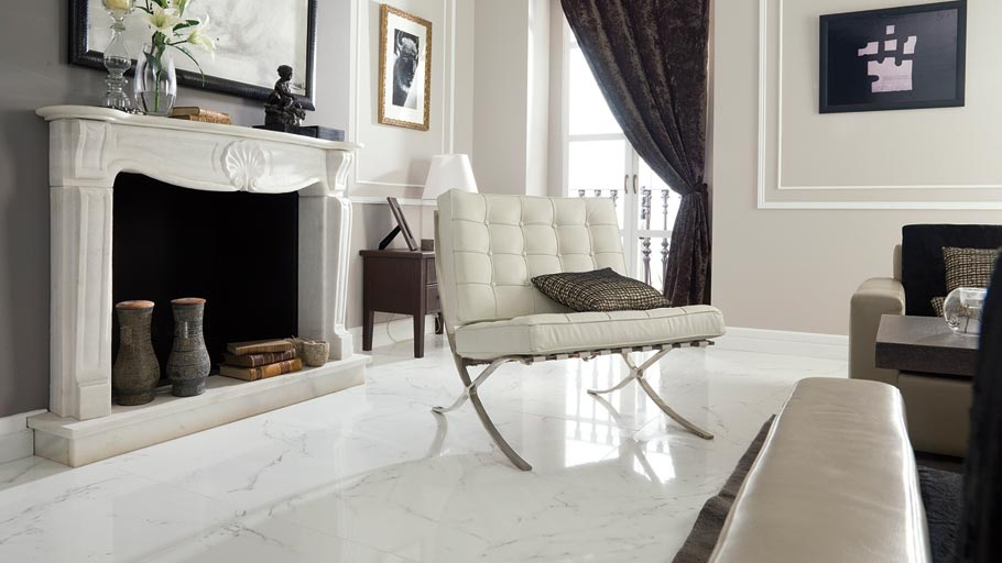 Trends in interior design 2015: classical elegance by means of floor and wall tiles in marble