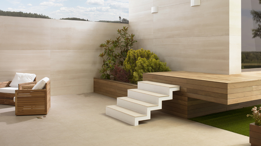 Terraces at the ready with the technical porcelain from Urbatek