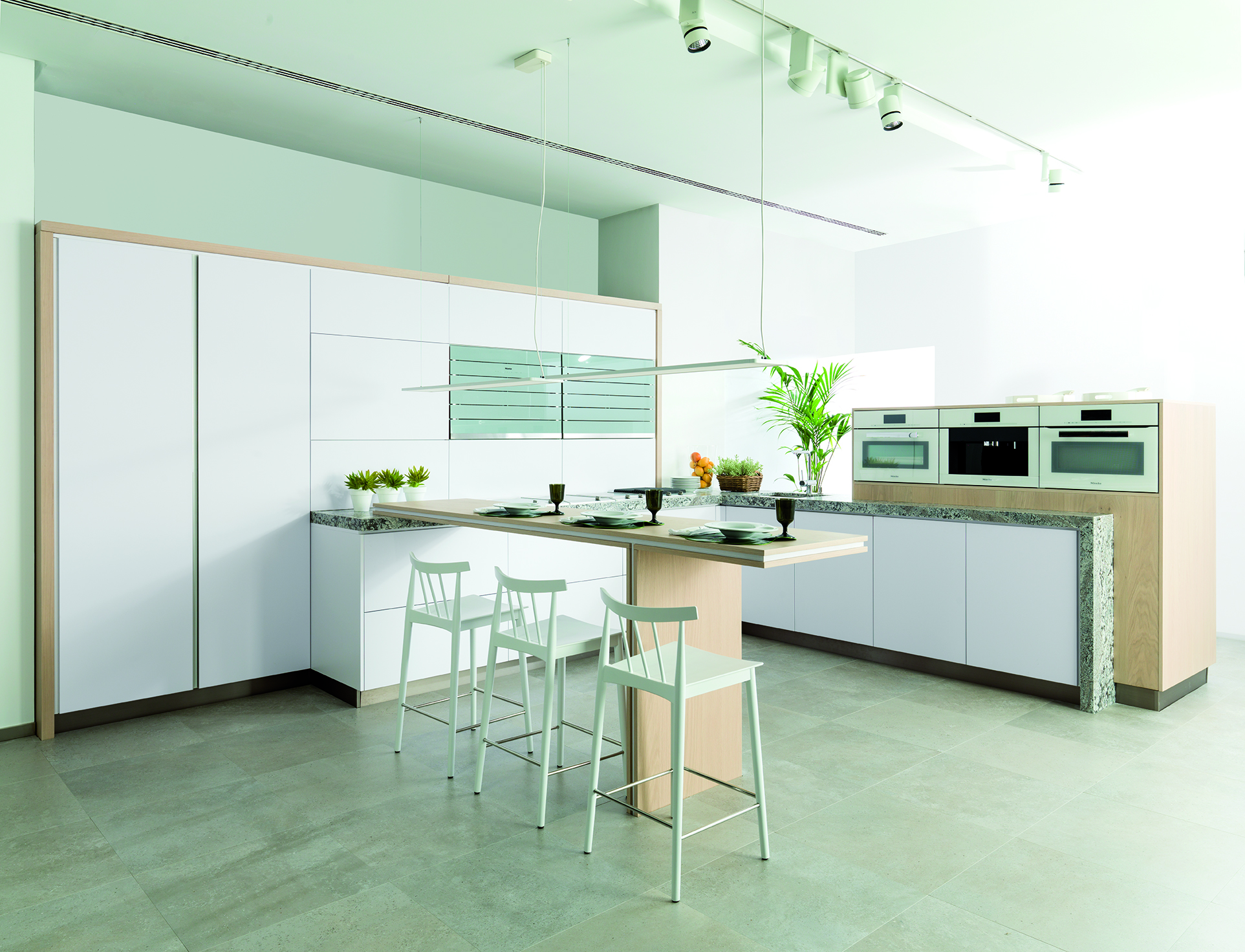 Emotions E3 Ghost – smart finishes for Gamadecor's most technological kitchens
