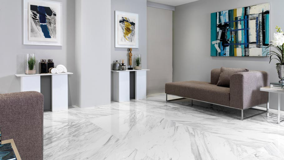 The marble effect of the new polished porcelain tile from Urbatek inspires at the 23rd Exhibition