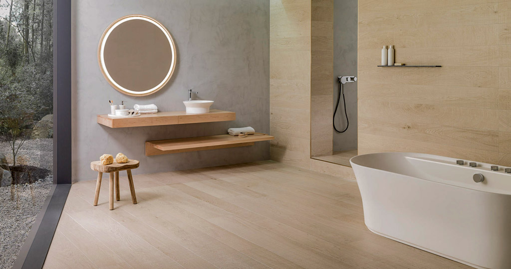 The warmth of wood in the bathroom with Par-Ker, high-tech ceramic