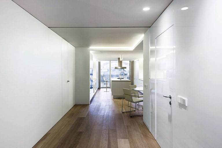 PORCELANOSA Group Projects: remodeled attic in Valencia