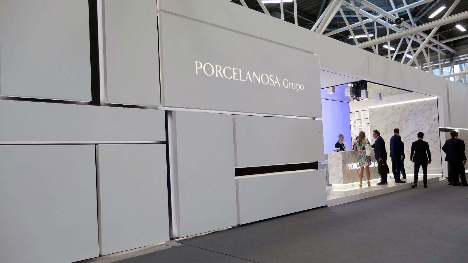 The PORCELANOSA Grupo strengthens its presence at Cersaie with new ceramic collections and premium materials