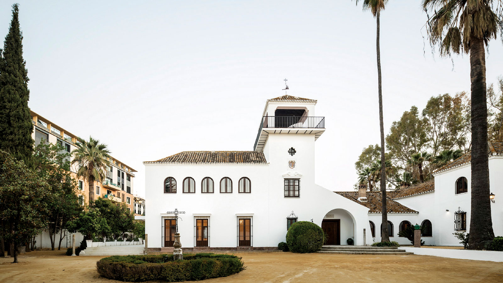 PORCELANOSA Grupo Projects: Huerta de las Palmeras, Andalusian-styled colonial architecture
