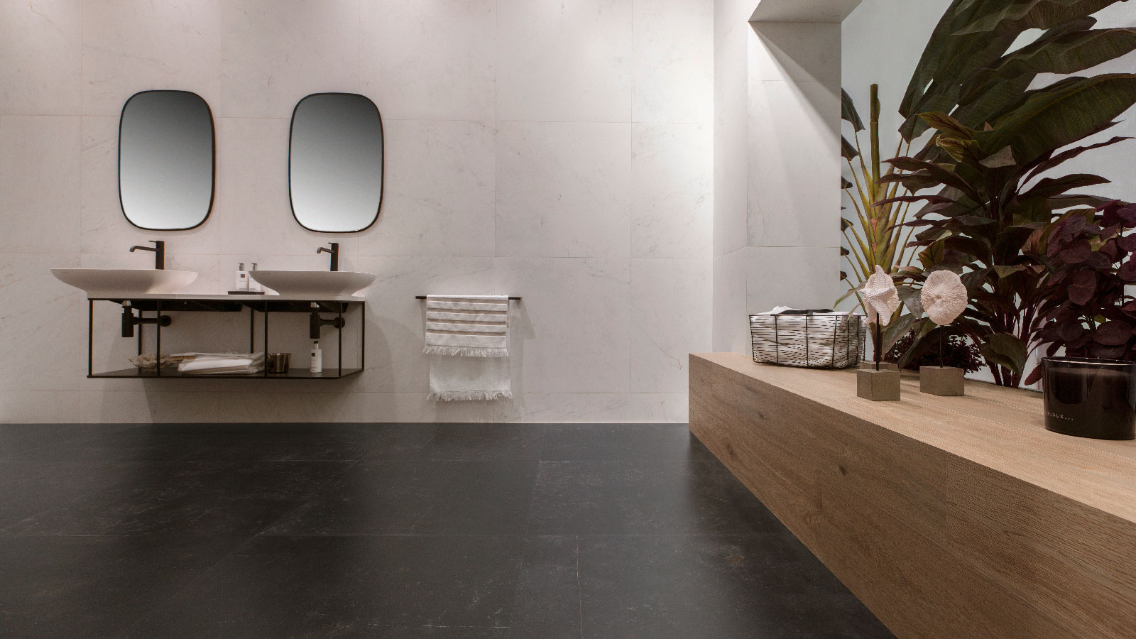 Venis Banks on black marble at Cersaie