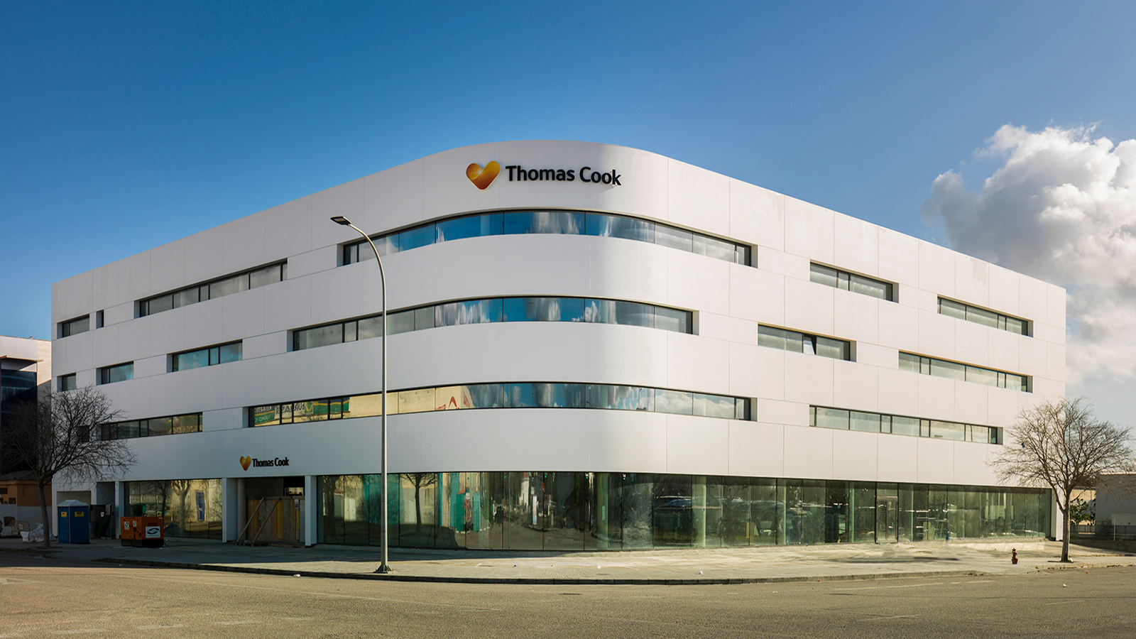 PORCELANOSA Grupo Projects:  Thomas Cook brings XLIGHT, KRION™ and Butech to its headquarters in Palma