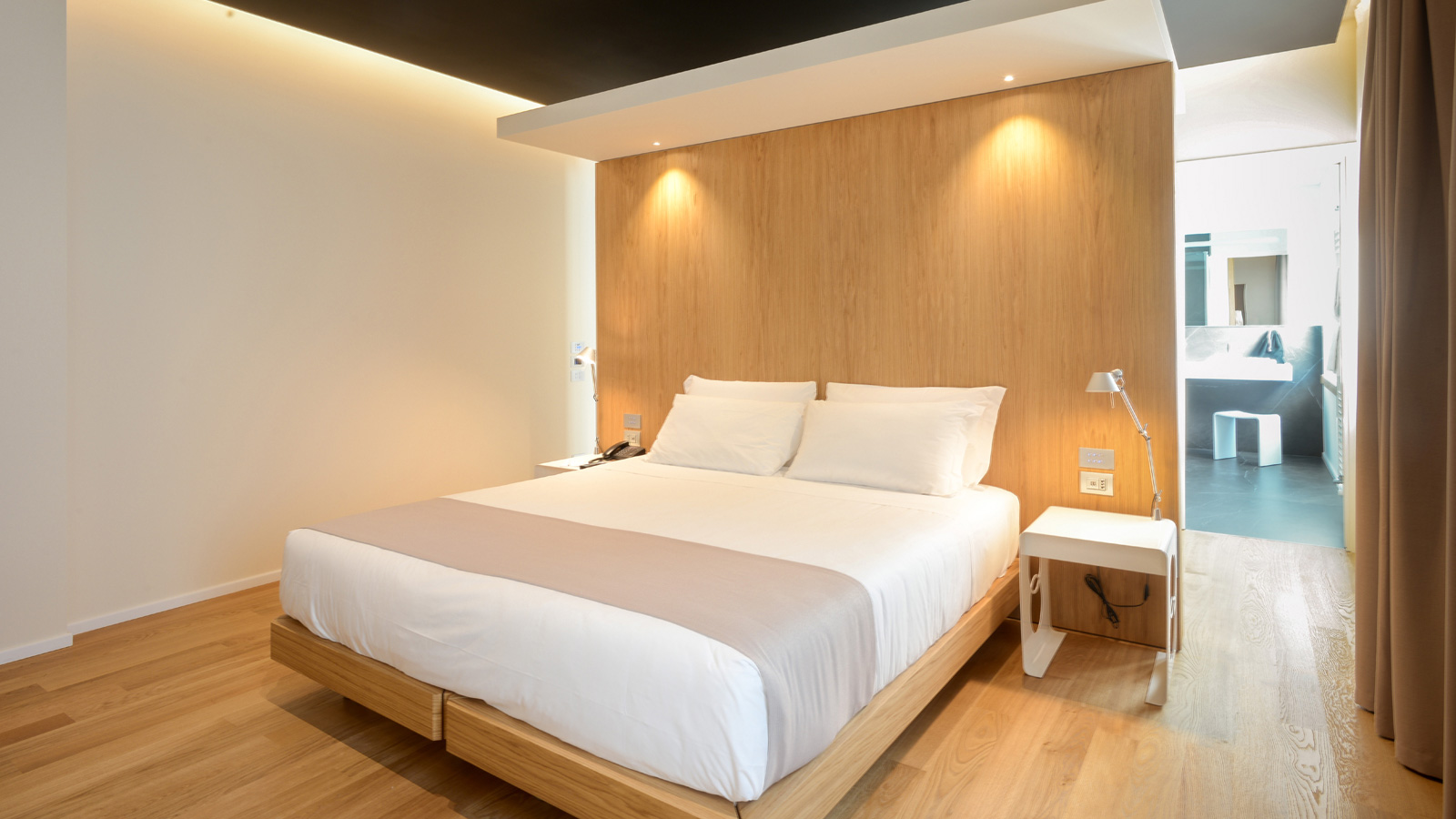 The PORCELANOSA Grupo decks out the Best Western Plus Bologna Hotel in Venice