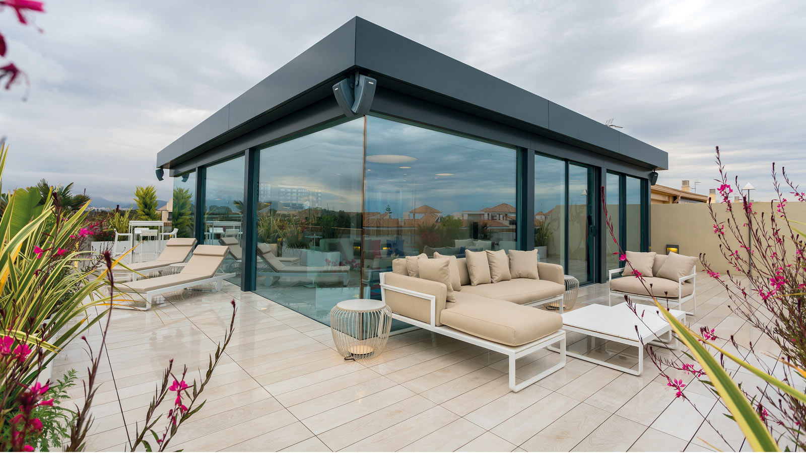 Cosy terraces with the raised access flooring from Butech