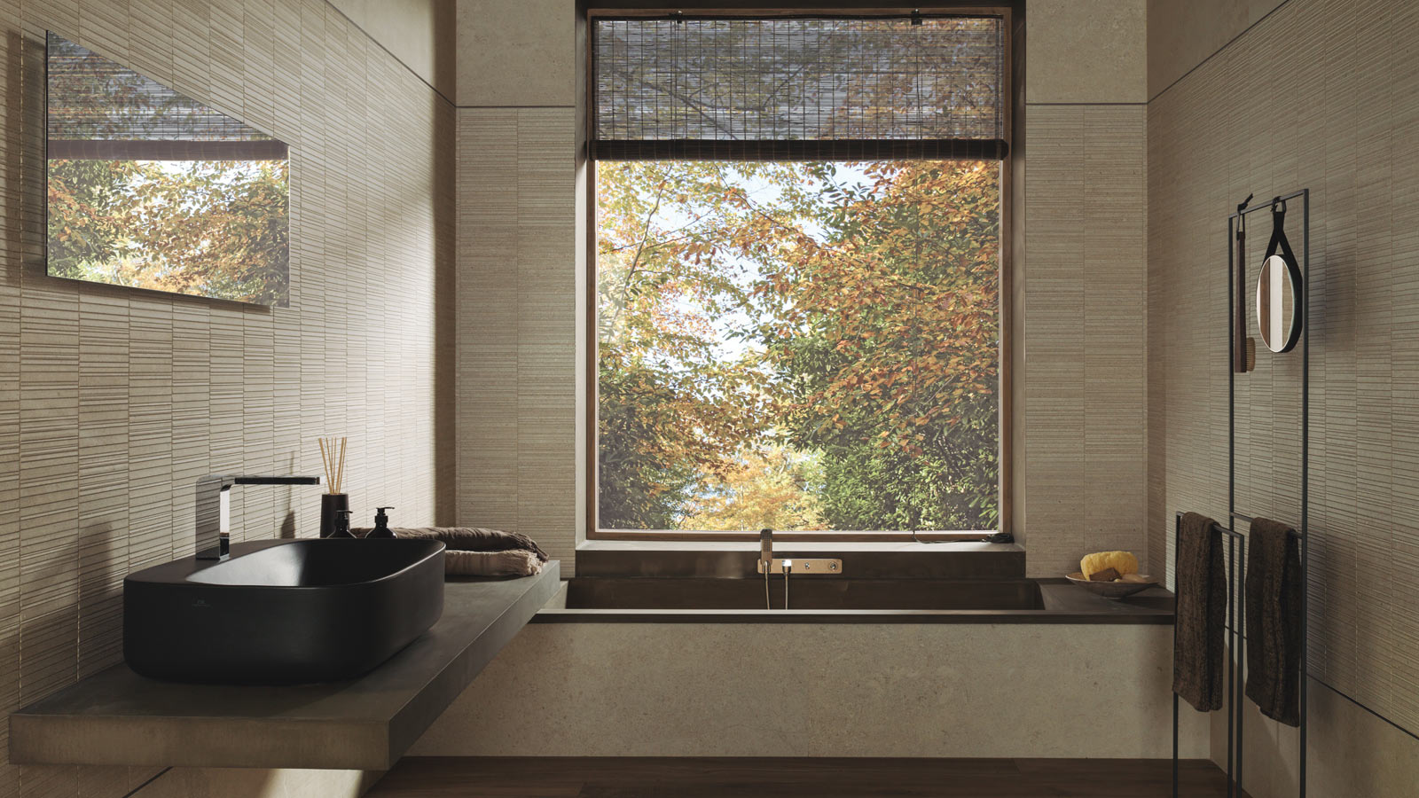 The wall tiles from Porcelanosa are being modernised through the XL Lineas decors
