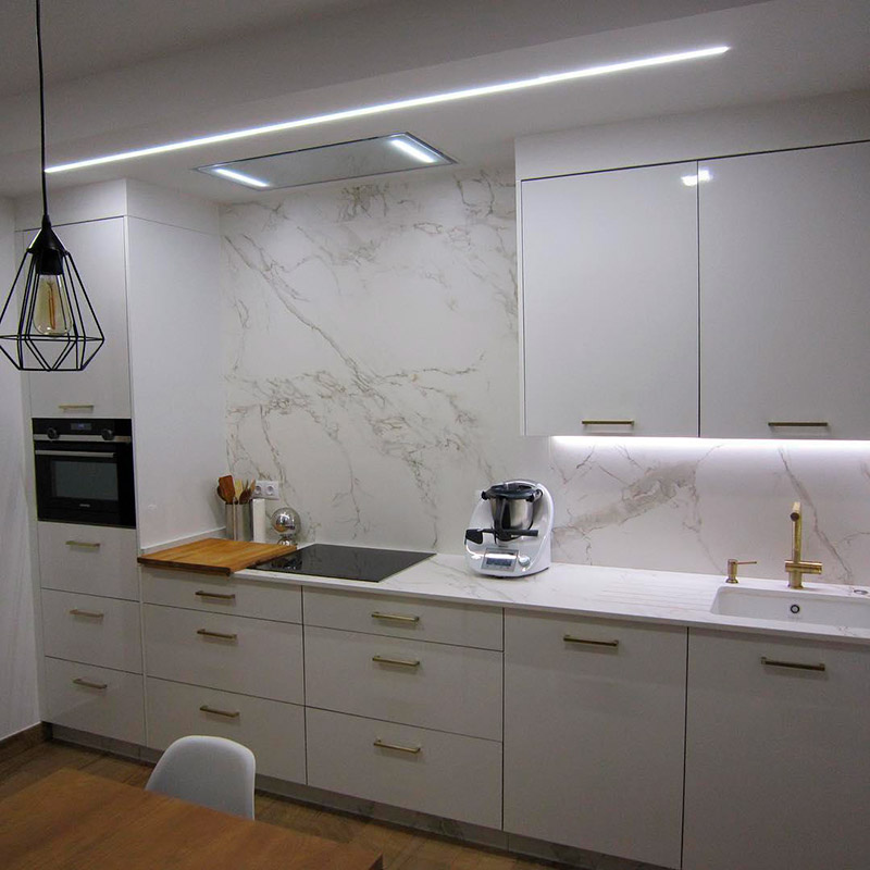 white marble kitchen countertops