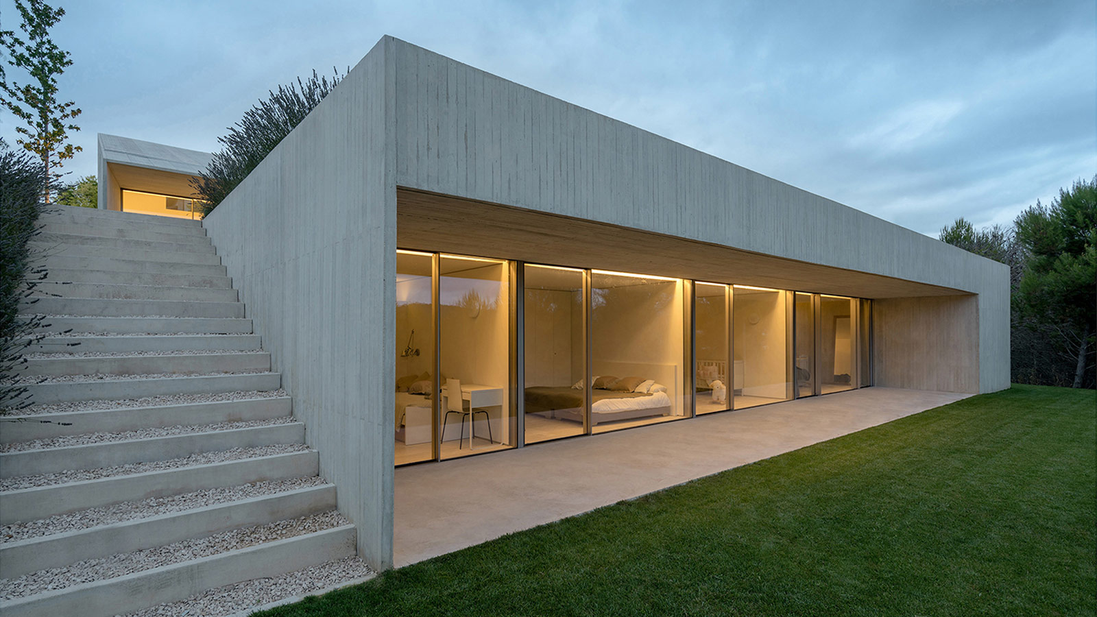 The 12th Porcelanosa Awards Finalists: A minimal-styled house built on a slope