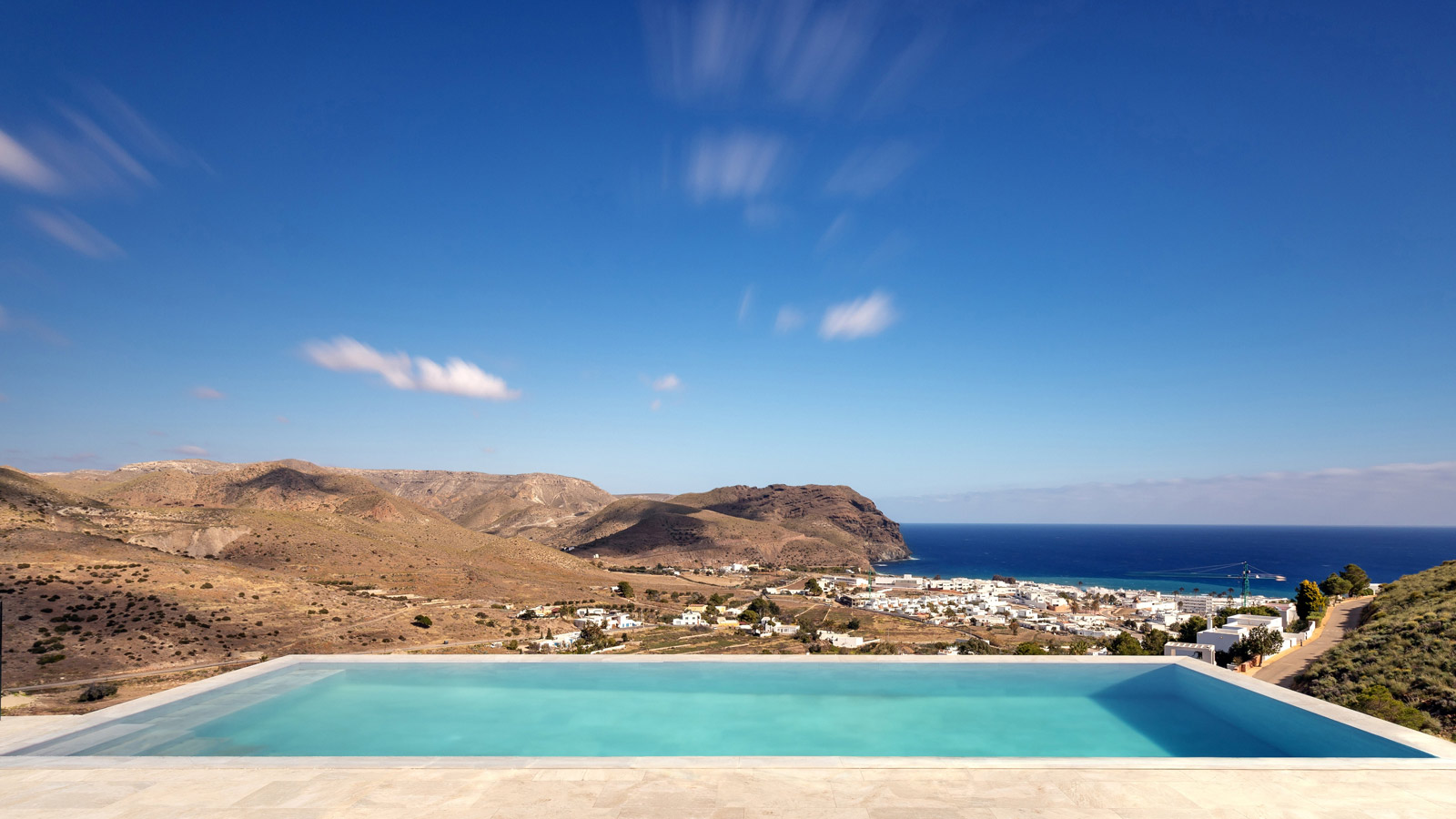 The 12th Porcelanosa Awards Finalists: the Jacaranda house, a direct connection with the natural park of Cabo de Gata