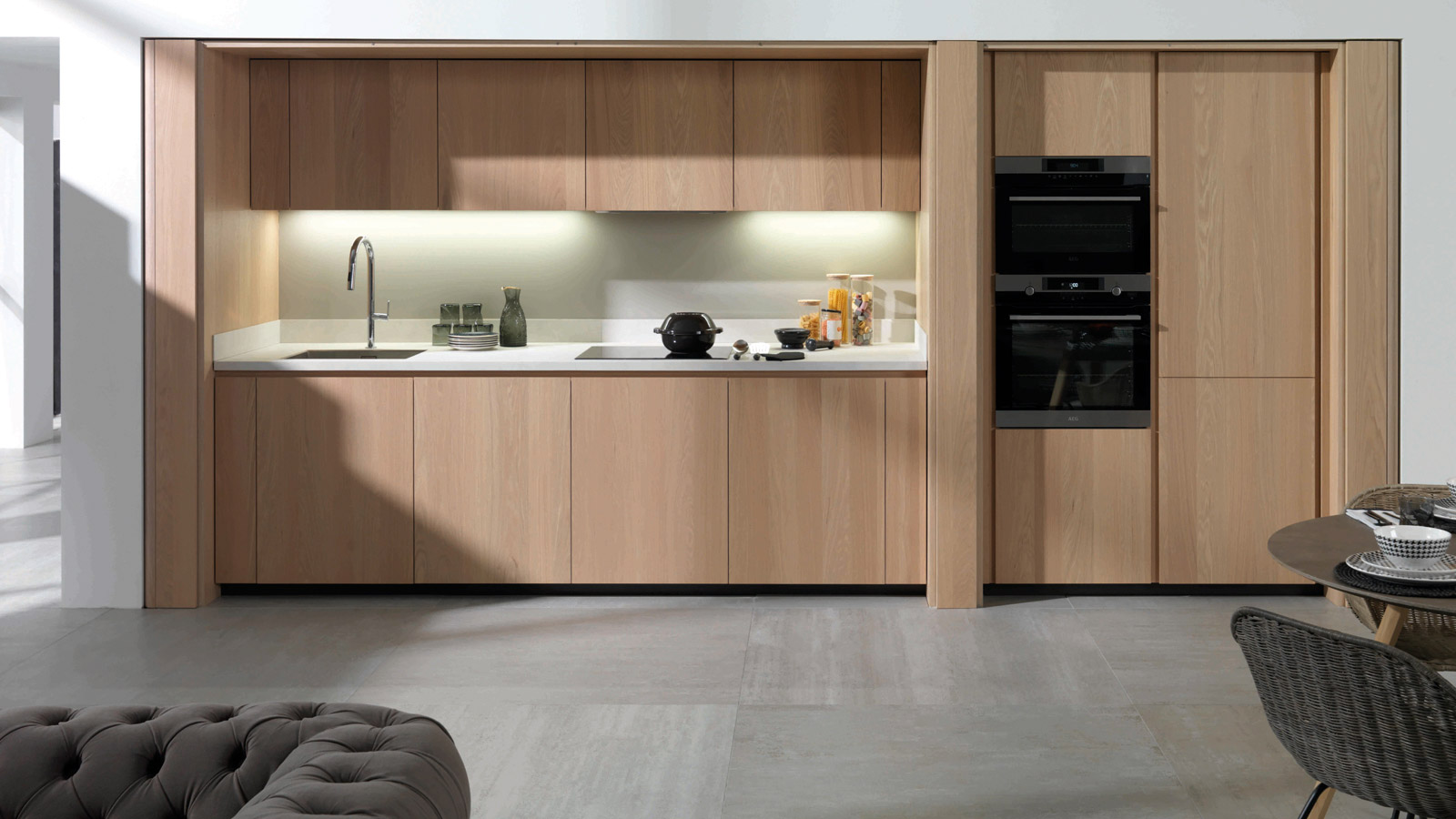 Cersaie 2019: Oak plays the leading role in the new kitchens and bathrooms from Gamadecor