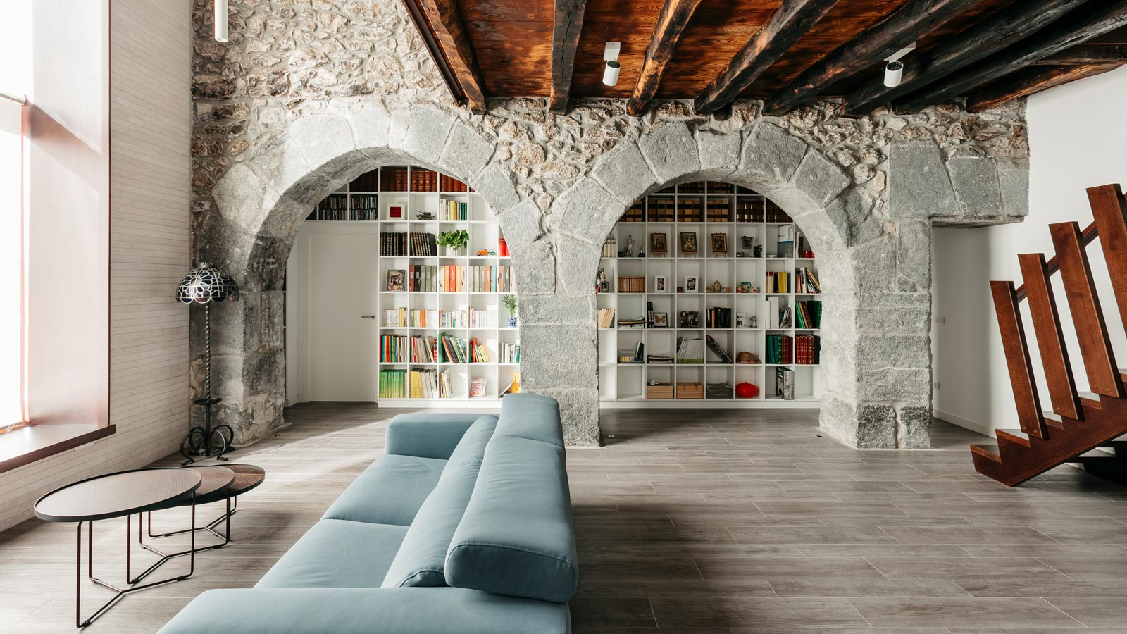 The Goizko country house in Urdabai's, restoring its foundations with collections from Porcelanosa Grupo