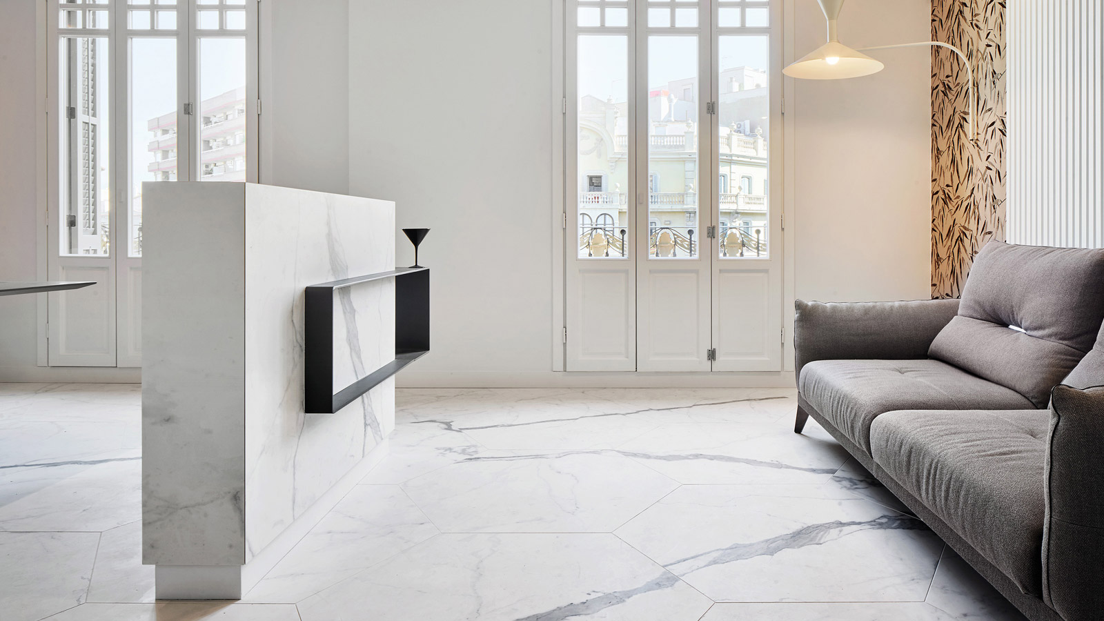 Porcelanosa Grupo Projects: a residential area in Barcelona with marble as the main theme