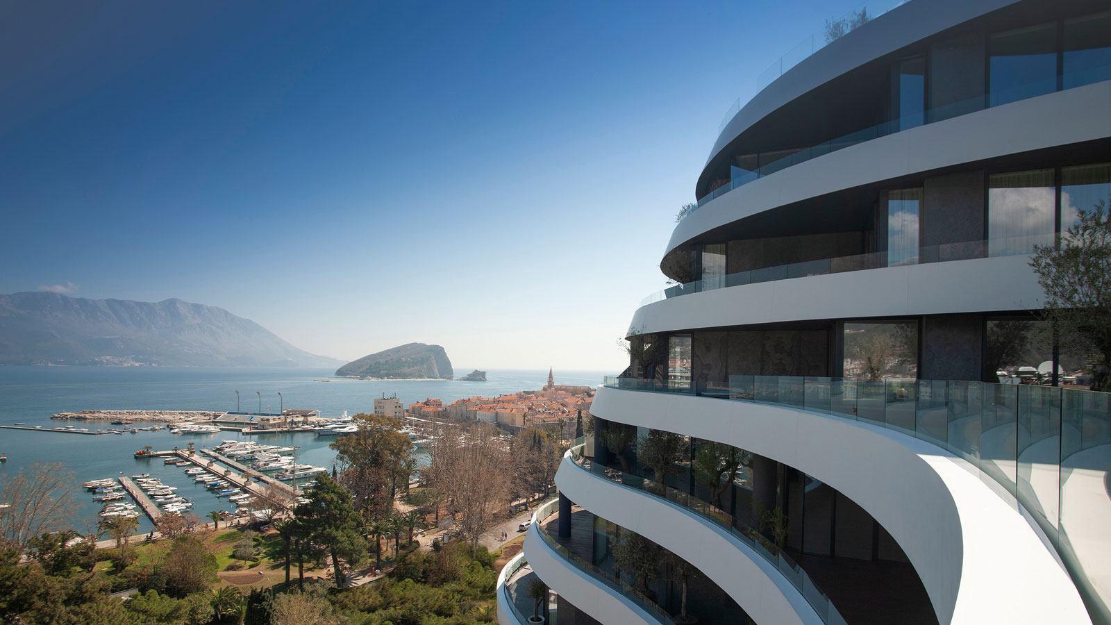PORCELANOSA Group Projects: Royal Gardens, a deluxe residential development in front of the Adriatic Sea