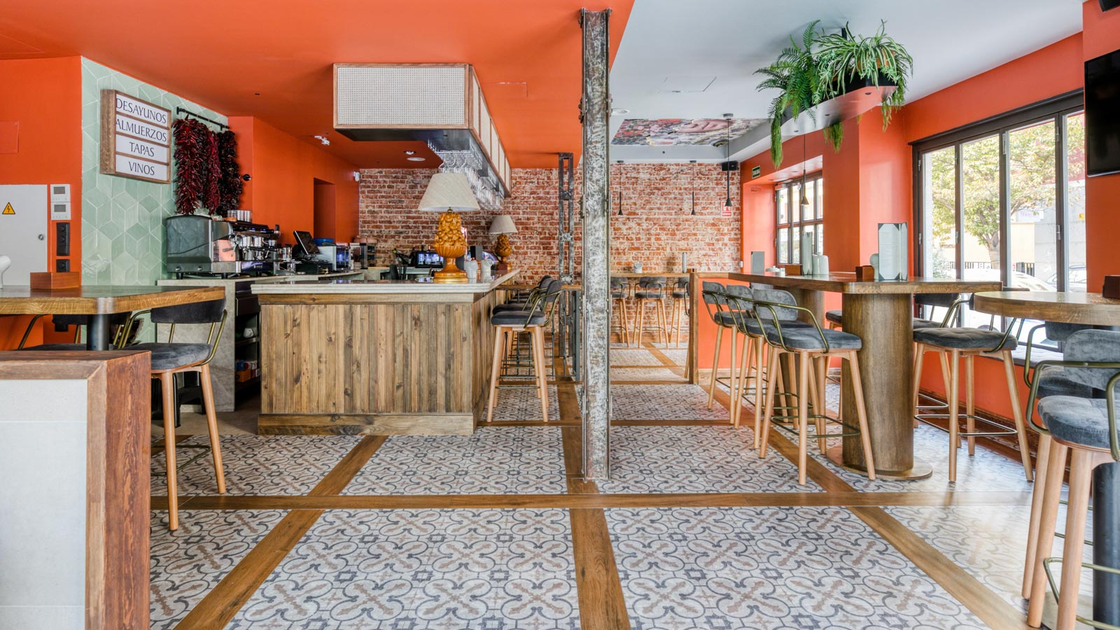 Porcelanosa Group Projects: an eclectic touch for the Lacabia restaurant