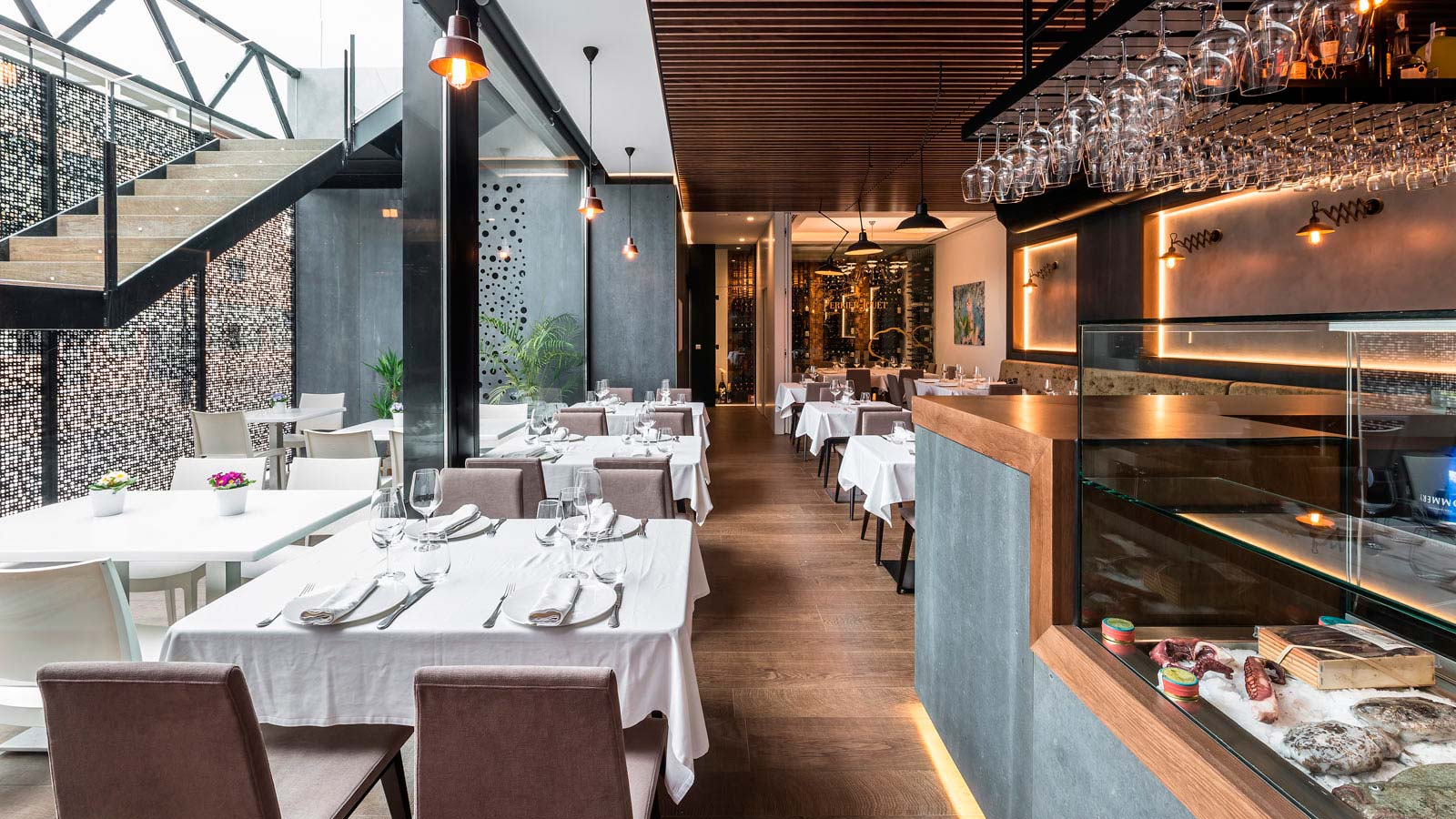 PORCELANOSA Grupo Projects: El Gordo y el Flaco, the restaurant that brings Mediterranean food and Nordic interior design together