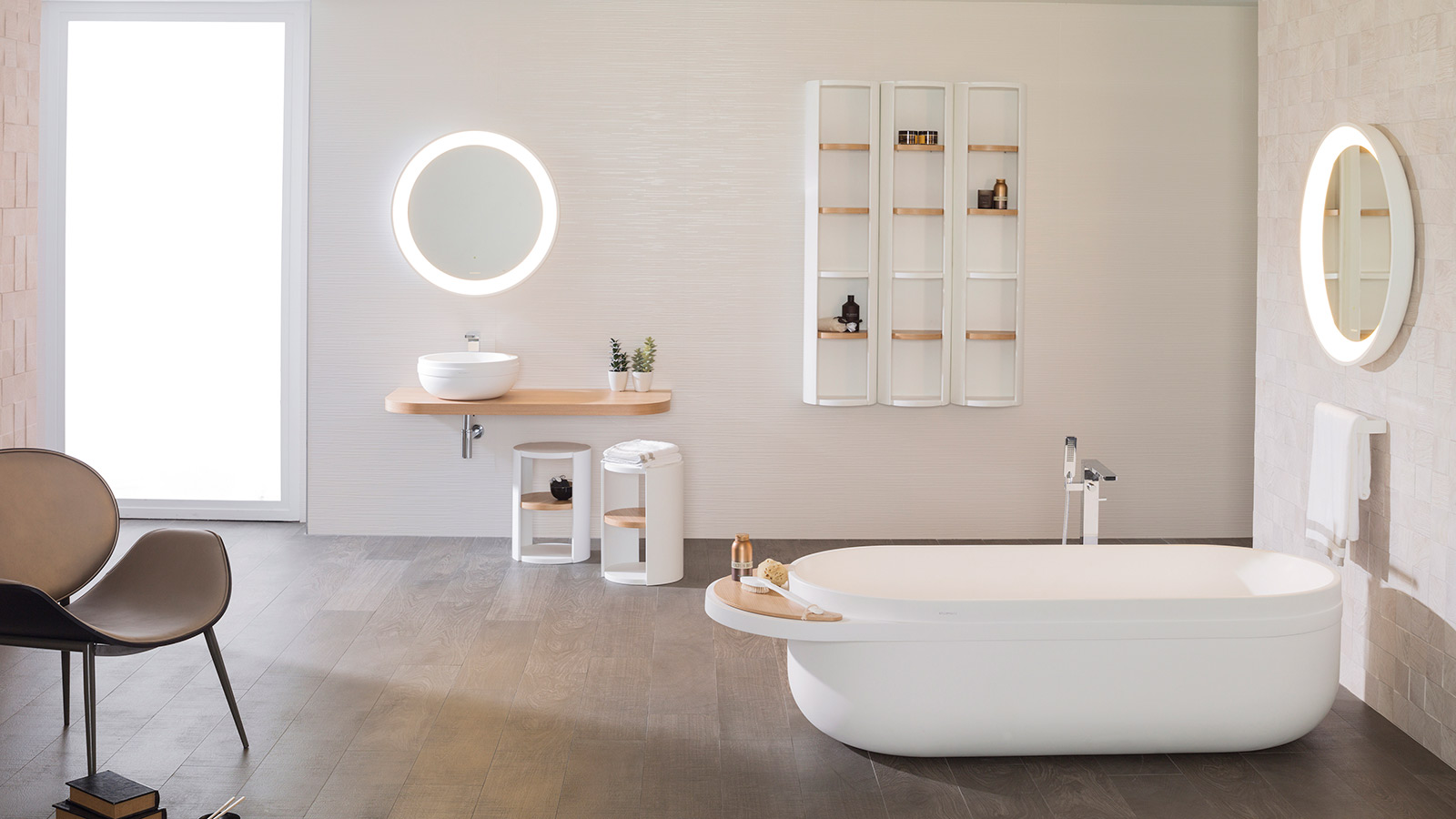 The round mirror, a timeless classic fitting for bathrooms