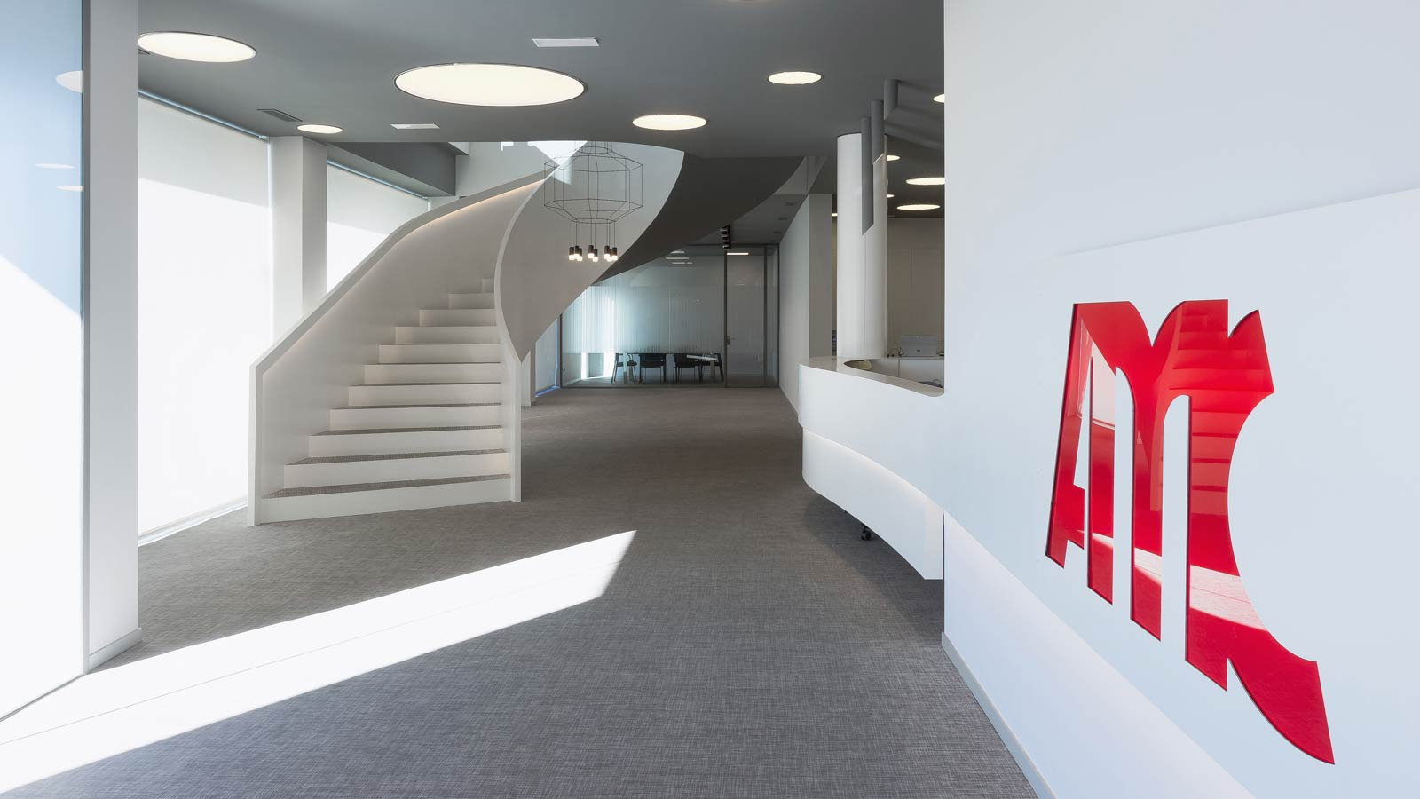 PORCELANOSA Group Projects: The new AMC offices take a neo-futuristic architecture approach