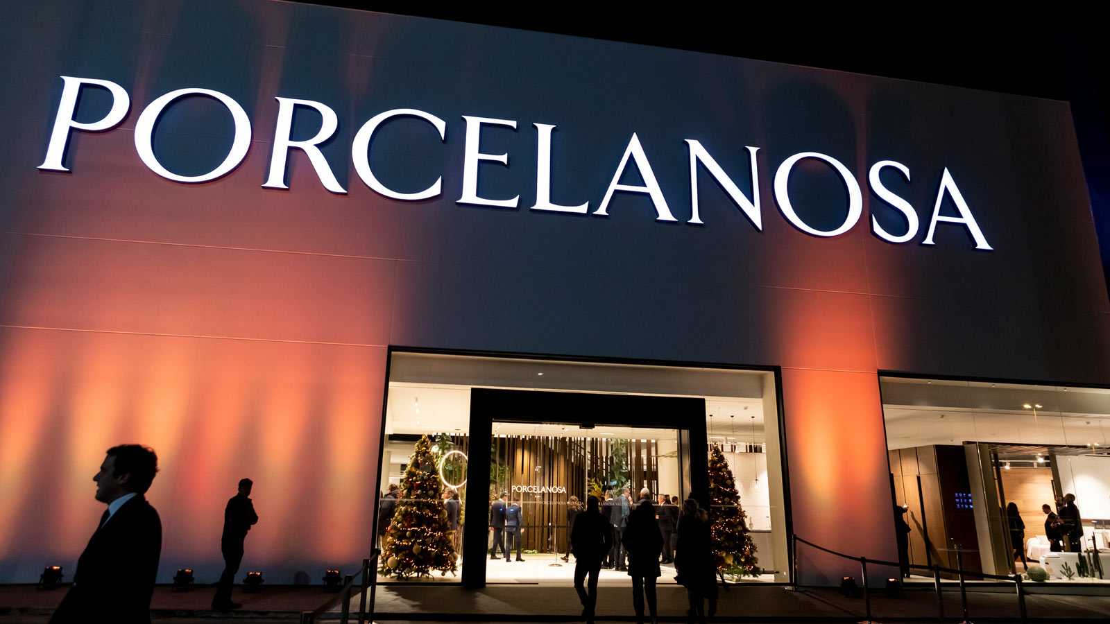 PORCELANOSA Group updates its 2,000 metre square store in Sedaví