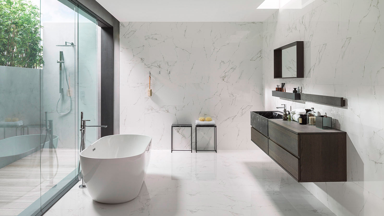 The marble bathroom, never out of style
