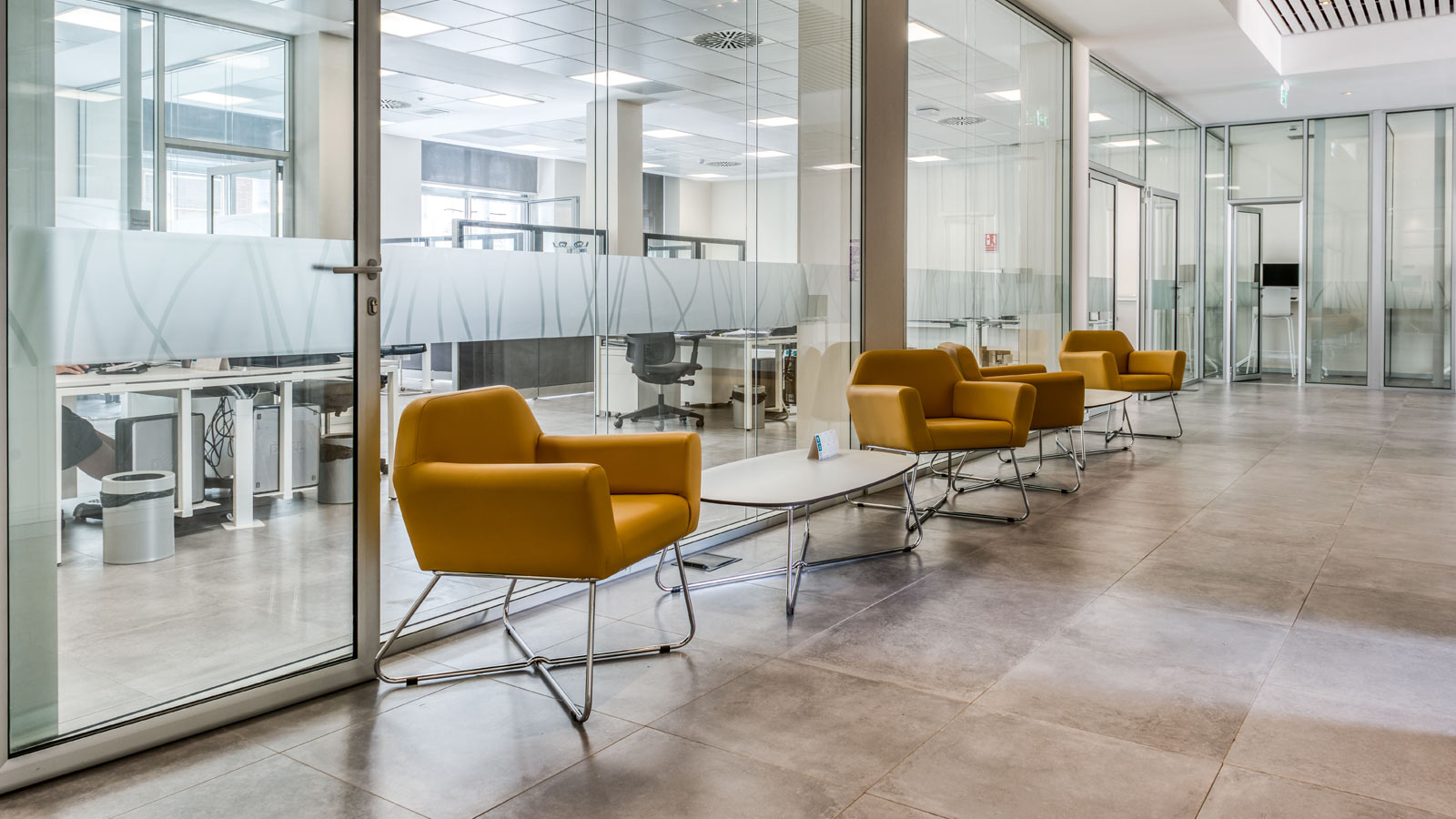 PORCELANOSA Group Projects: Technical flooring from Butech elevates the new Cajamar headquarters in Las Palmas de Gran Canaria