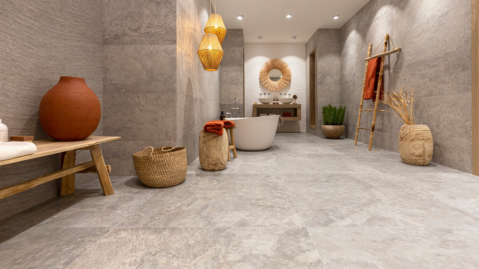 """Venis looks to the sands of the desert in its new """"Dakar"""" collection"""